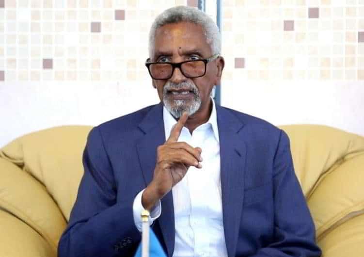 Dadaal loogu jiro in Guddoomiyaha Aqalka Sare lagu qancinayo ka qeyb galka Xaflada Saxiixa Heshiiska