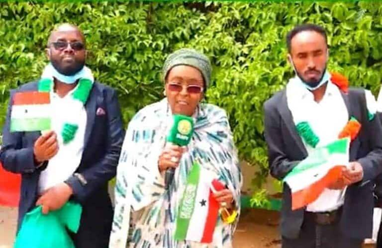 Dhakhaatiir ku dhoofayey Passport-ka Somaliland oo lagu xiray Muqdisho, dibna loogu celiyay Hargeysa